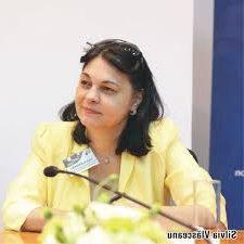Silvia Vlăsceanu (II): Sectorul energetic reflectă, până la urmă, toate ambițiile politice care au fost de-a lungul timpului. Banca Mondială nu mai făcuse modelul pe care ni l-a propus, în România, și am fost pe post de cobai.