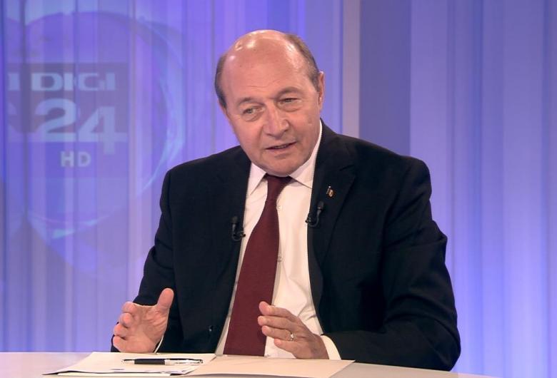 Traian Băsescu îşi face singur curaj!