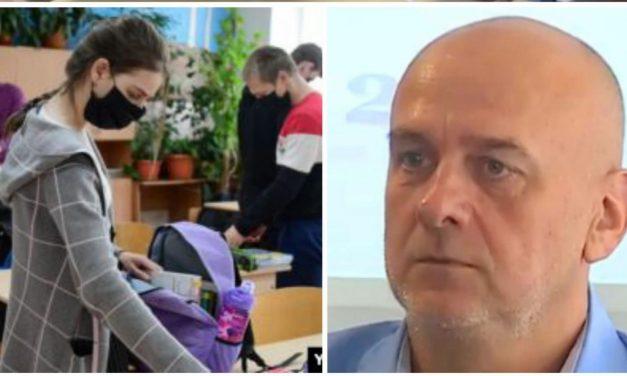 Ei, Orban poate să vrea stea și în cap, dacă cei de la Institutul Național de Sănătate publică, care prin lege sunt structura supremă, care zice alb, negru sau gri… dacă doamnele de acolo zic nu, rămâne Orban în cap.