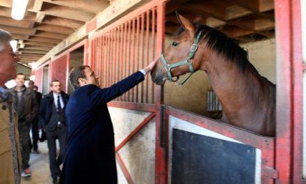 Când Macron nu uită de fermierii francezi