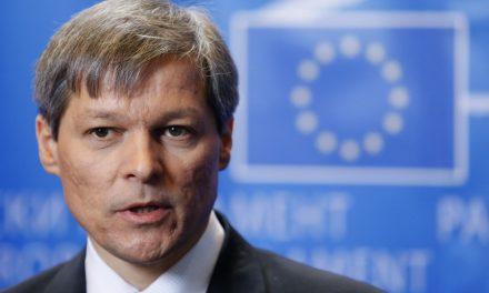 Dacian Cioloş lasă impresia că se inspiră din… Brejnev!