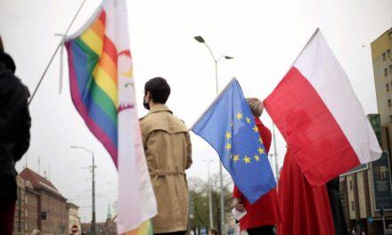 """Drepturi LGBT: Polonia şi Ungaria """"luate la ochi"""" de Bruxelles"""