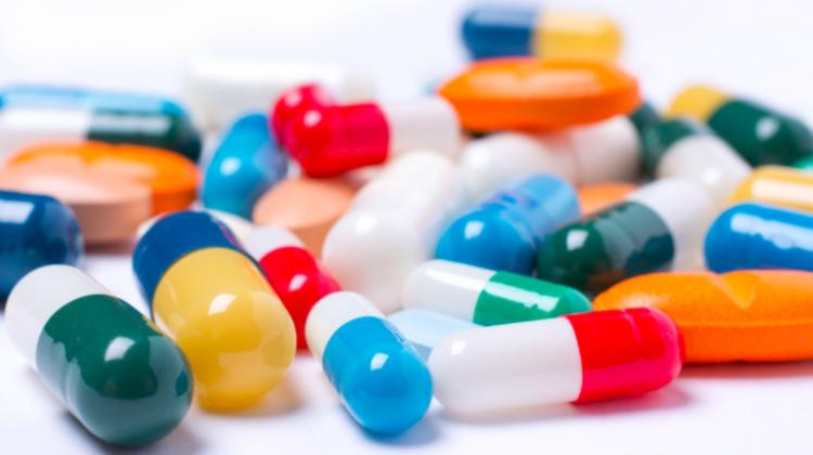 Medicamentele eliberate pe bază de rețetă – a treia cauză principală de deces în lumea occidentală sau Cum ascund companiile farmaceutice efectele adverse ale medicamentelor